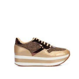 سنيكر - حذاء نسائي سميك