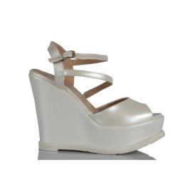 حذاء سادة للعروس باللون اللؤلؤ 13 سم