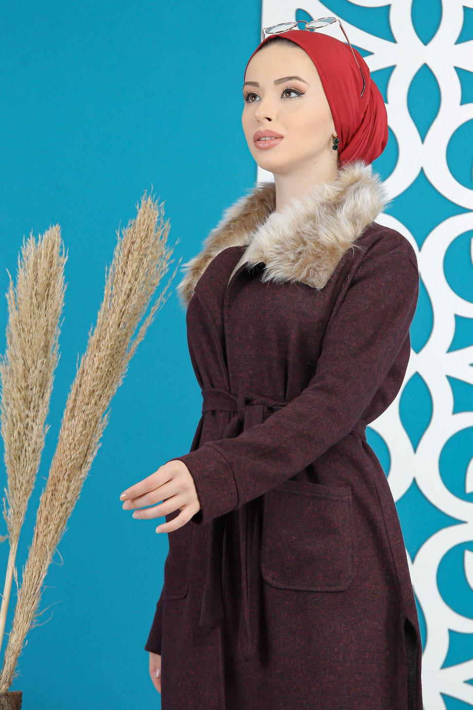 معطف بوردو ياقة وبر ناعم لون خمري