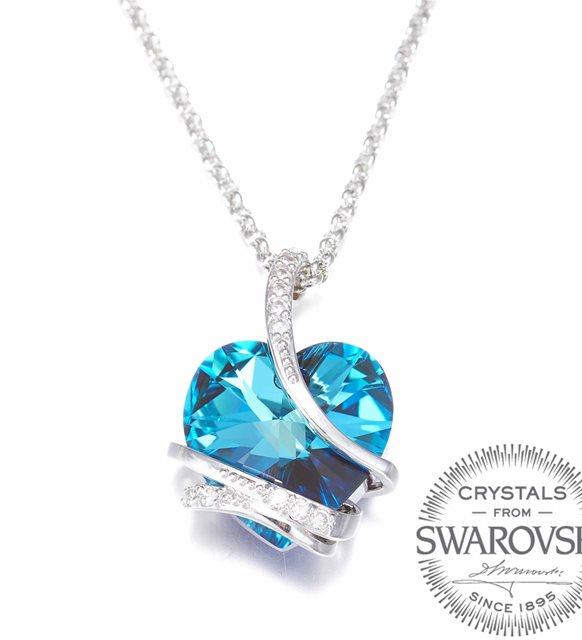 سواروفسكي قلادة القلب الأزرق (مطلية بالذهب)